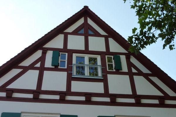 holzfenster-laden-ansicht-minEFA65088-23CC-1D29-F102-3D7A91F3539F.jpg